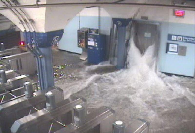 Небольшая подборка фотографий затопленного Нью-Йорка. New York, последствия урагана Сэнди.